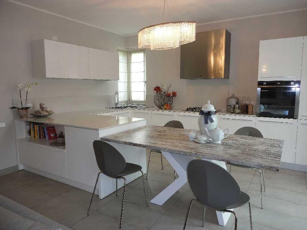 La cucina ad angolo ottimale per funzionalit ed estetica - Arredare una cucina moderna ...