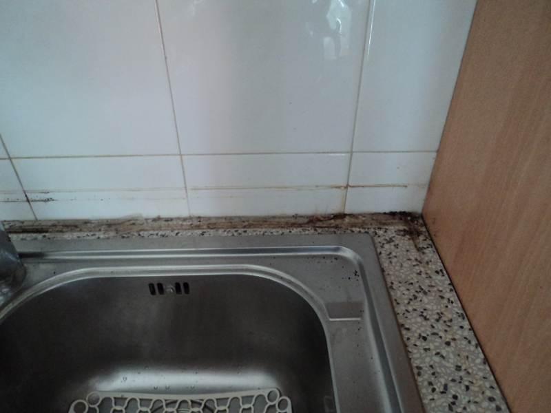 Come ammodernare la tua vecchia cucina minimo spazio abitabile - Sostituire il top della cucina ...